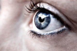 """""""8 ok, amiért a lézeres szemműtét jobb megoldás, mint a szemüveg vagy a kontaktlencse"""" zárolva 8 ok, amiért a lézeres szemműtét jobb megoldás, mint a szemüveg vagy a kontaktlencse"""